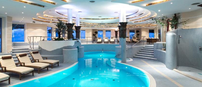 Sporthotel Ellmau, Ellmau, Austria - swimming pool.jpg